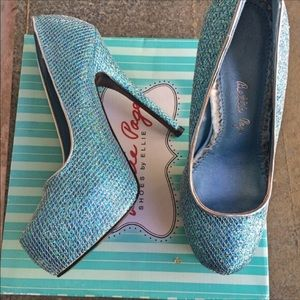 Betsy Johnson Blue Crystal Pumps 7M